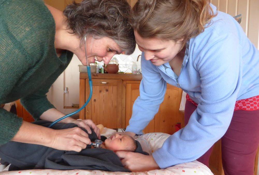 Plaidoyer pour un retour vers l'accouchement à domicile